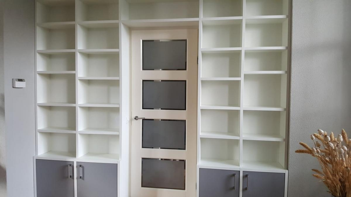 Hoge Boekenkast Wit.Boekenkasten Op Maat Met Een Bijzonder Goede Prijs