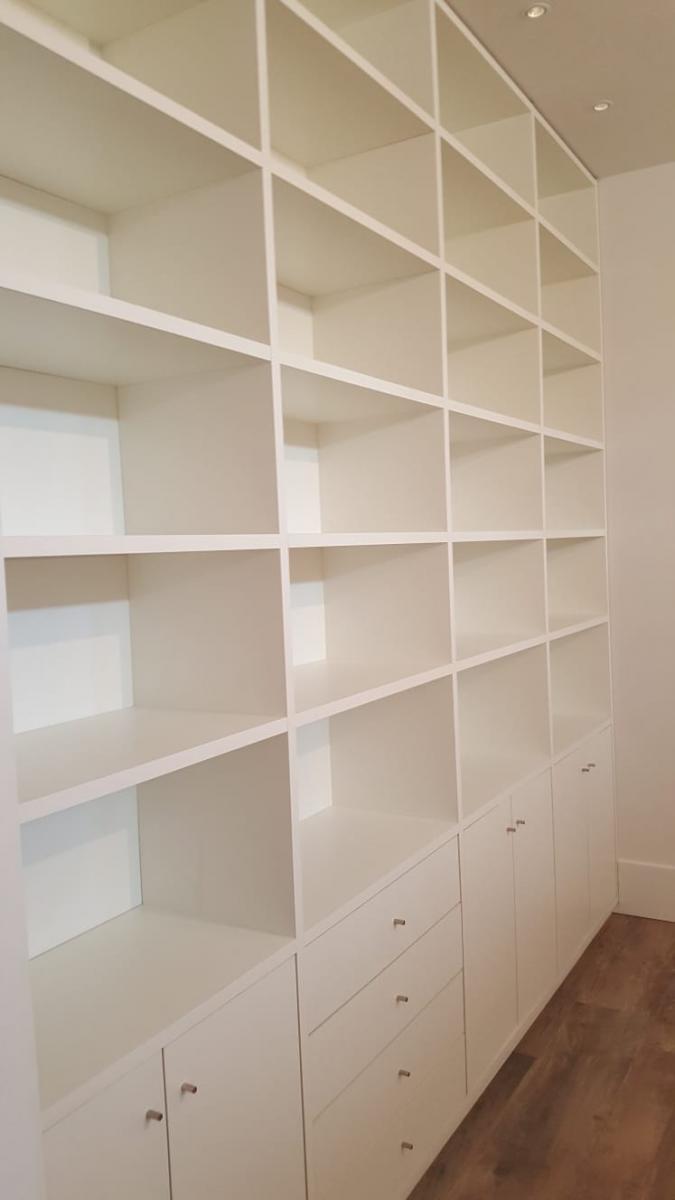 Witte Plank Op Maat.Boekenkasten Op Maat Met Een Bijzonder Goede Prijs