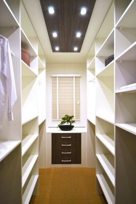 Inloopkast kleine kamer